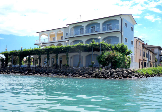 Hotel Al Pescatore private balconies with exclusive lake view